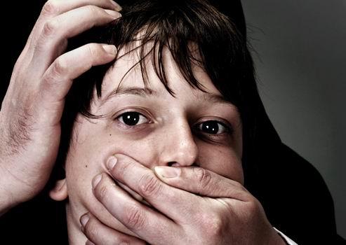 Institutionen müssen sexuellem Missbrauchvorbeugen